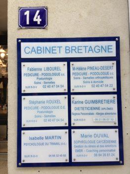 Plaques du cabinet Bretagne, &' rue de Budapest Nantes-Marie Duval sophrolologue